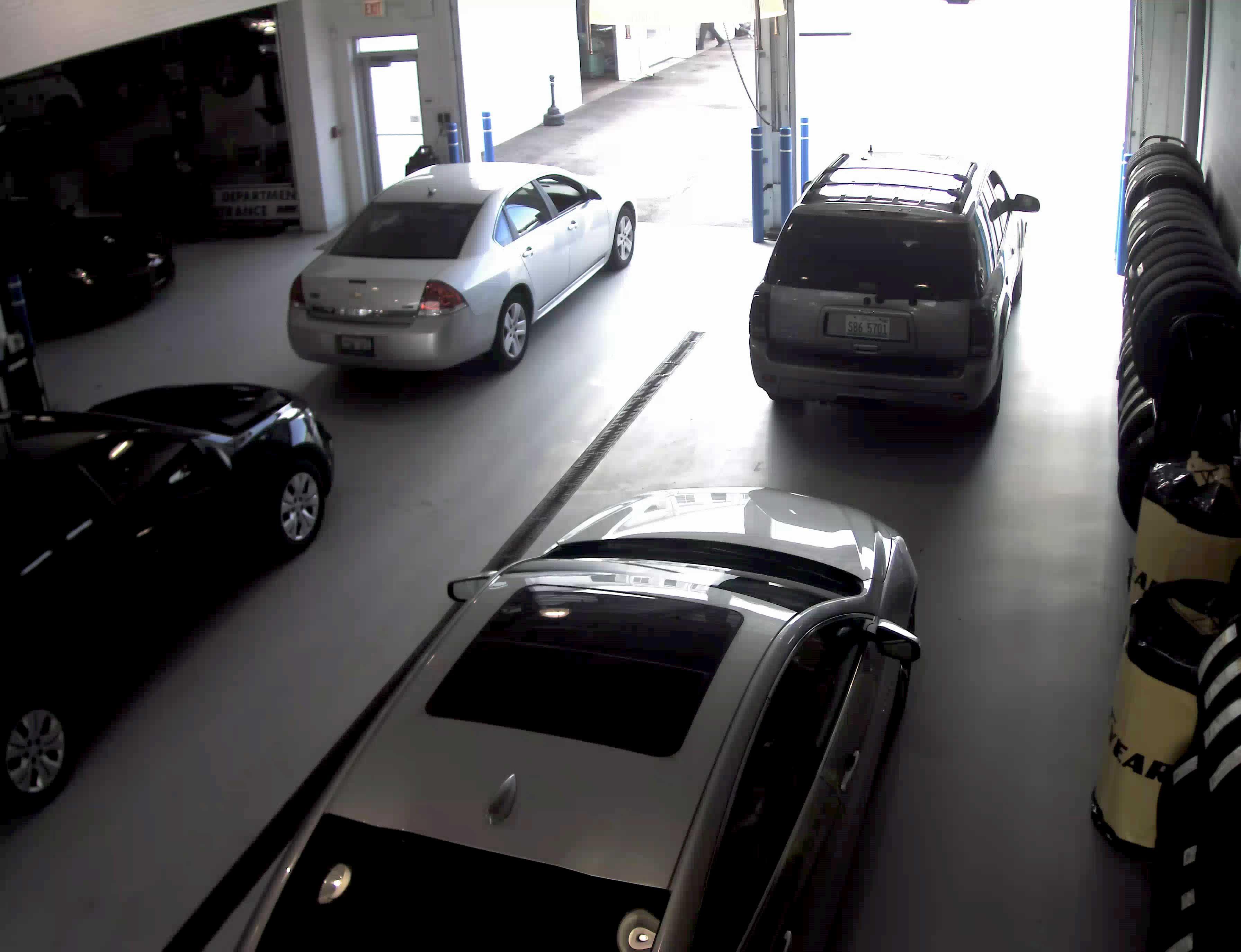 Car-Scretch-Delivery-Camera